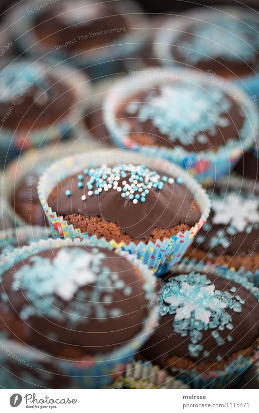 Schokomuffins blau weiß Essen Feste & Feiern braun Lebensmittel Party Design Dekoration & Verzierung Geburtstag Ernährung genießen süß einzigartig Überraschung