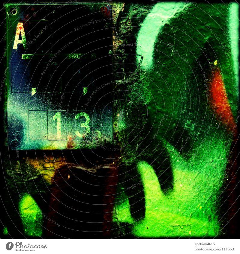 urban oase Wasser grün Stadt Graffiti Traurigkeit Mauer Kunst Schilder & Markierungen Hinweisschild 13 Wandmalereien Ziffern & Zahlen