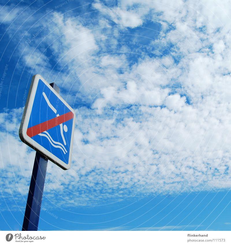 jumping into the sky Himmel blau Sommer Wasser Meer Wolken Strand Küste Schwimmen & Baden springen Schilder & Markierungen nass Frankreich Paradies Warnhinweis