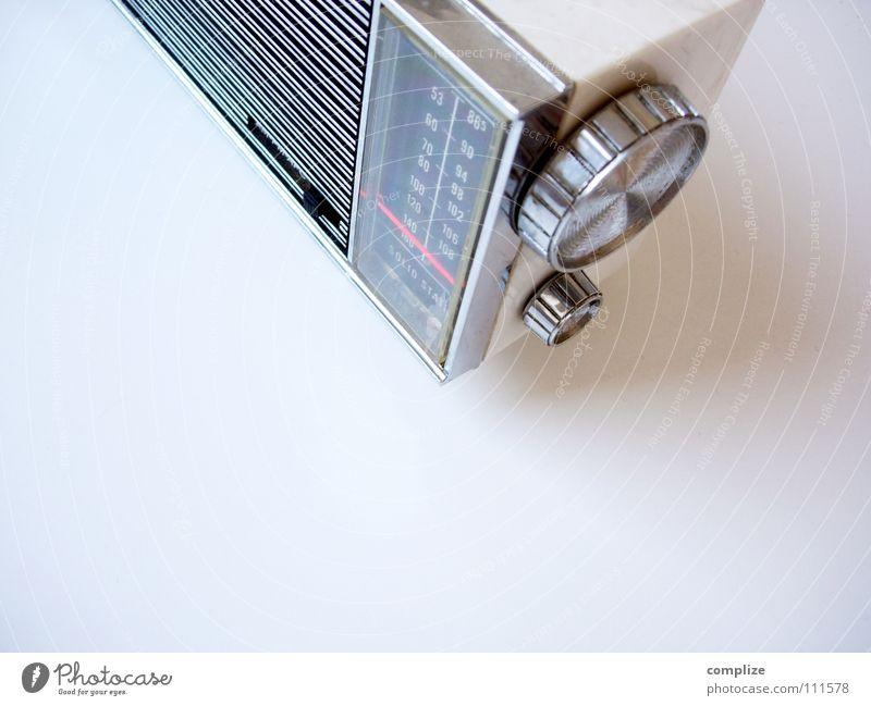 Hörgerät alt Musik Elektrizität retro Technik & Technologie Medien Konzert hören Statue Vergangenheit Lautsprecher drehen Radio Antenne Anzeige