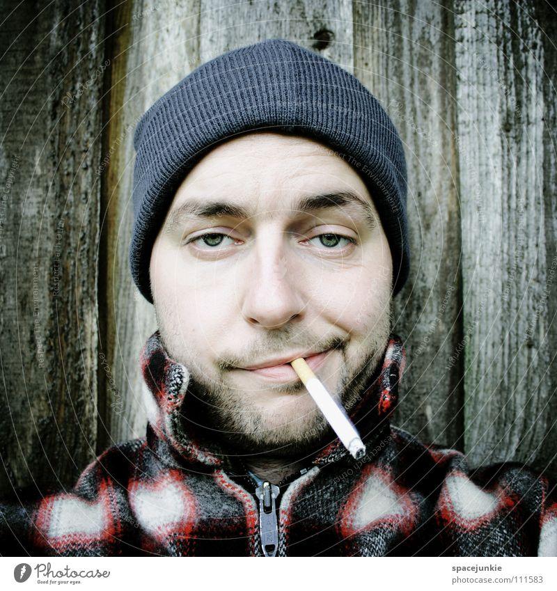 Just smoking (1) Mann Freude verrückt Rauchen Rauch Tabakwaren Mütze skurril Zigarette Porträt ungesund Tabak Nikotin inhalieren