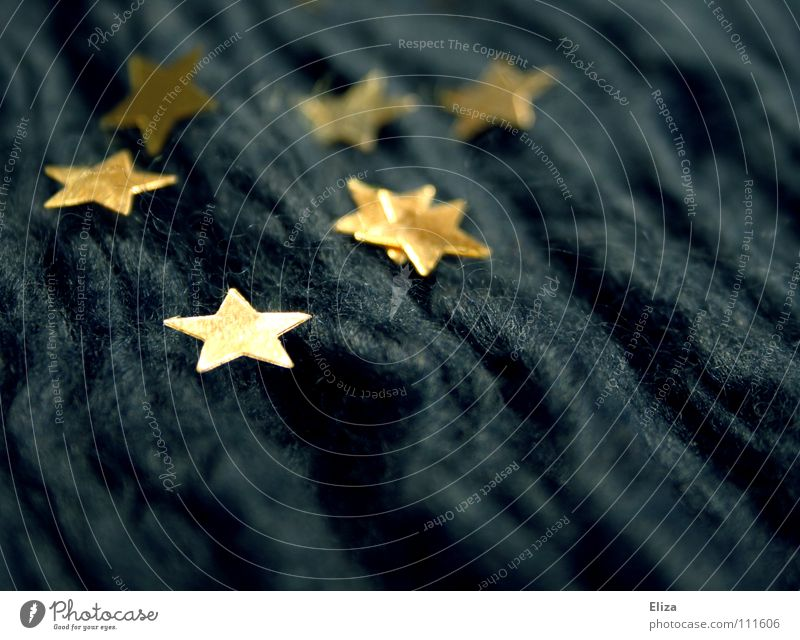 Sternchen blau Weihnachten & Advent schön Winter kalt Spielen Wärme Stimmung Lampe Wellen Feste & Feiern glänzend gold Finger Stern (Symbol) Europa