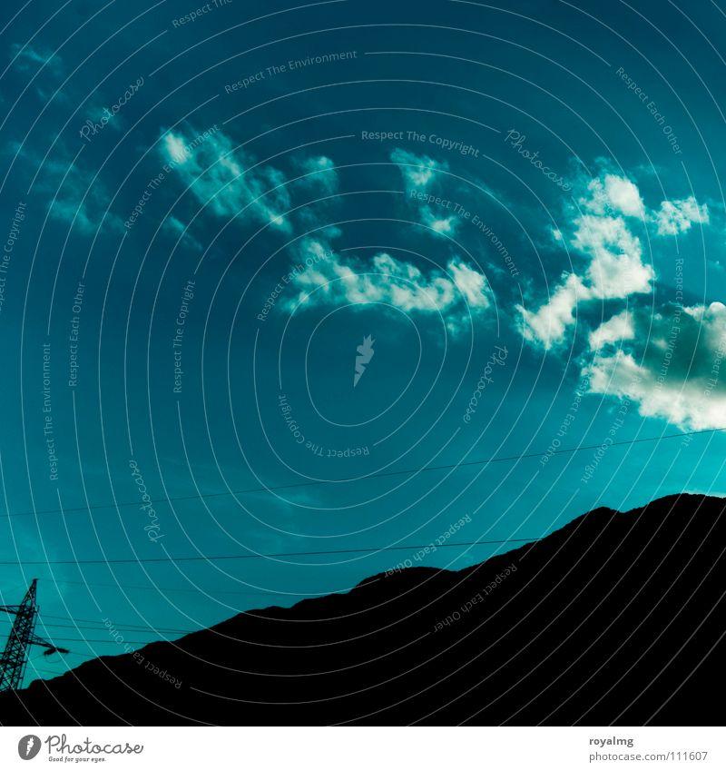 Außenseiter Himmel weiß blau Sommer schwarz Wolken Berge u. Gebirge Industrie Energiewirtschaft Elektrizität Gipfel Strommast Leitung Hochspannungsleitung