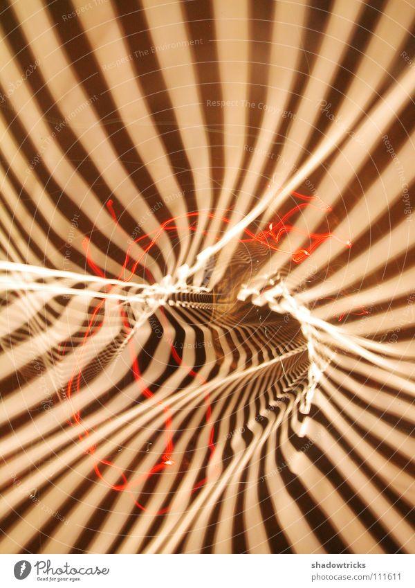 Sechs Sekunden rot gelb Lampe braun fahren Autobahn Tunnel Autofahren Surrealismus Schwanz Langzeitbelichtung Drehung Straße Fahrzeugbeleuchtung
