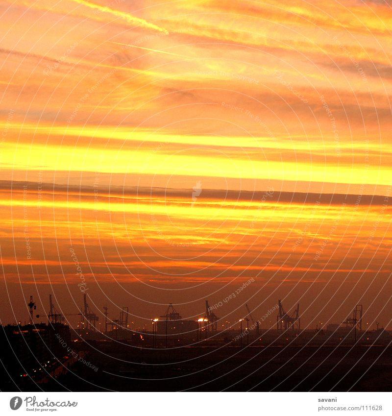 Industrial Sunset Himmel rot Sonne Meer Wolken Landschaft gelb Küste orange Verkehr Streifen Technik & Technologie Industrie Industriefotografie Güterverkehr & Logistik Hafen