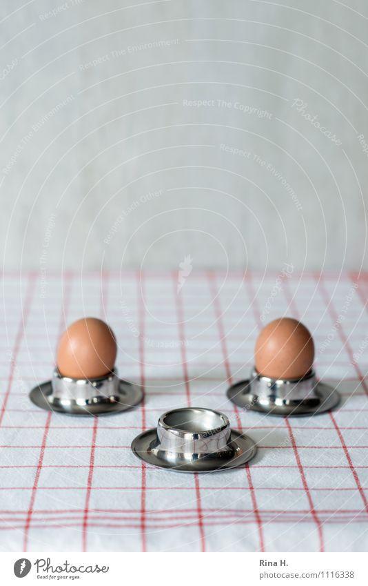 Miss you Lebensmittel Ei Ernährung Trauer verlieren Food Tischwäsche Küchenhandtücher Eierbecher Farbfoto Innenaufnahme Menschenleer Textfreiraum oben