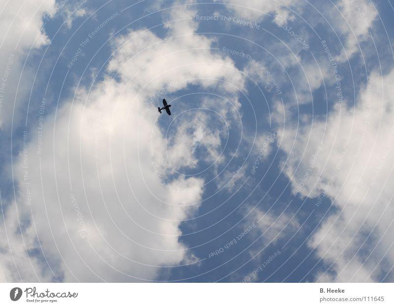 Wolkenflug Himmel blau Flugzeug Luftverkehr Abheben
