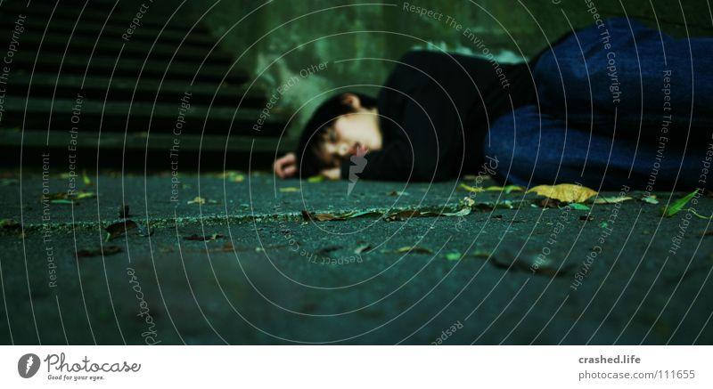 The Drugs Love Me.. Mensch Jugendliche Einsamkeit Blatt dunkel Tod Leben Erde liegen Treppe Trauer Schmerz Rauschmittel Straße Alkohol Verzweiflung