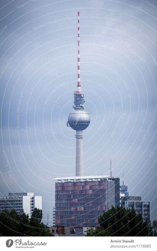 November Berlin Himmel Ferien & Urlaub & Reisen Stadt blau Haus Winter Ferne dunkel Traurigkeit Architektur Herbst grau Wetter Nebel Hochhaus