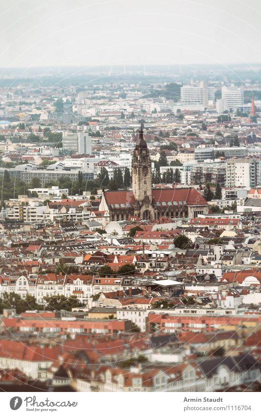 Berliner Häusermeer Tourismus Ferne Sommer Häusliches Leben Haus Landschaft Horizont Klima Klimawandel Hauptstadt Skyline Kirche Architektur Dach Wahrzeichen