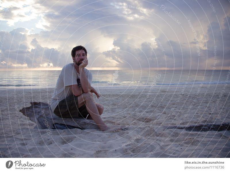Keine Lust heimzufliegen Mensch Natur Ferien & Urlaub & Reisen Jugendliche Mann Junger Mann Meer Einsamkeit Ferne Strand Erwachsene Leben Traurigkeit Gefühle