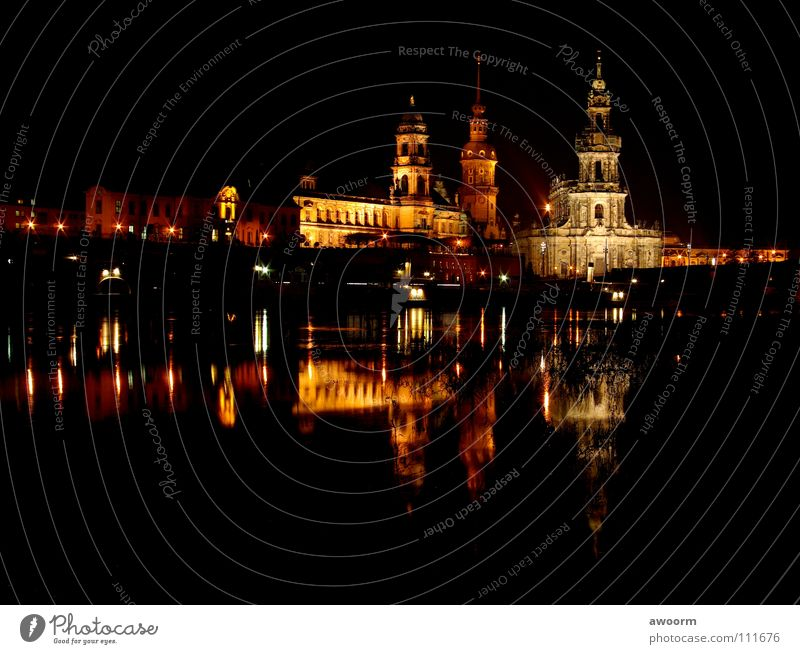 Dresden_Altstadt Hofkirche Nacht Licht Semperoper Dampfschiff Wasserfahrzeug Elbe Oper Fluss Brücke