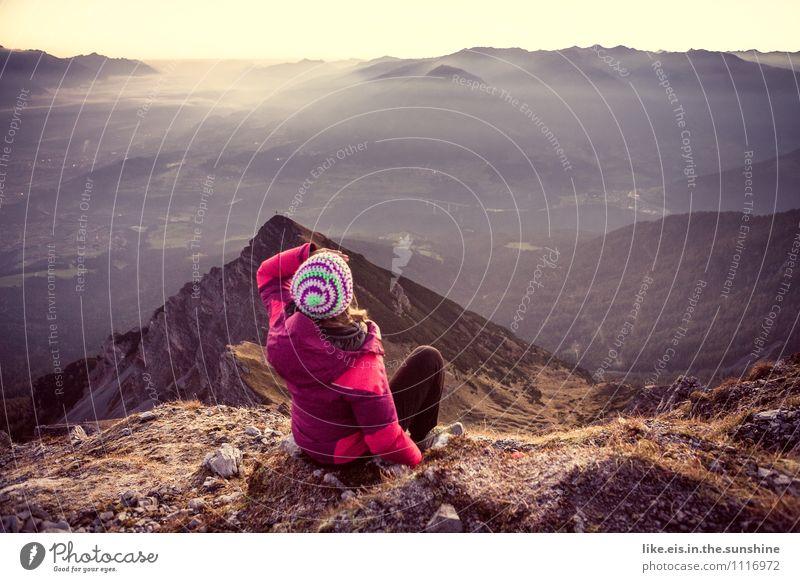 Wander-lust Natur Ferien & Urlaub & Reisen Jugendliche Sommer Junge Frau Landschaft Ferne Umwelt Berge u. Gebirge Leben Herbst feminin Sport Glück Freiheit