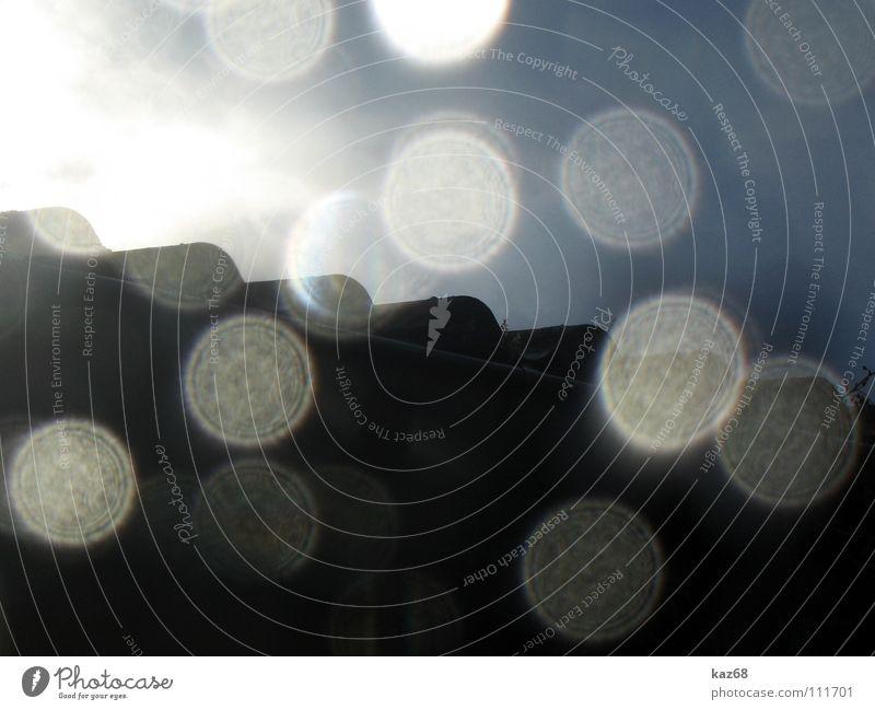 Niederschlag nass Kreis Dach Beleuchtung Licht Haus Muster weiß schwarz Hintergrundbild Spiegel Silhouette Mauer Gebäude Oval durchsichtig Wasser Wetter