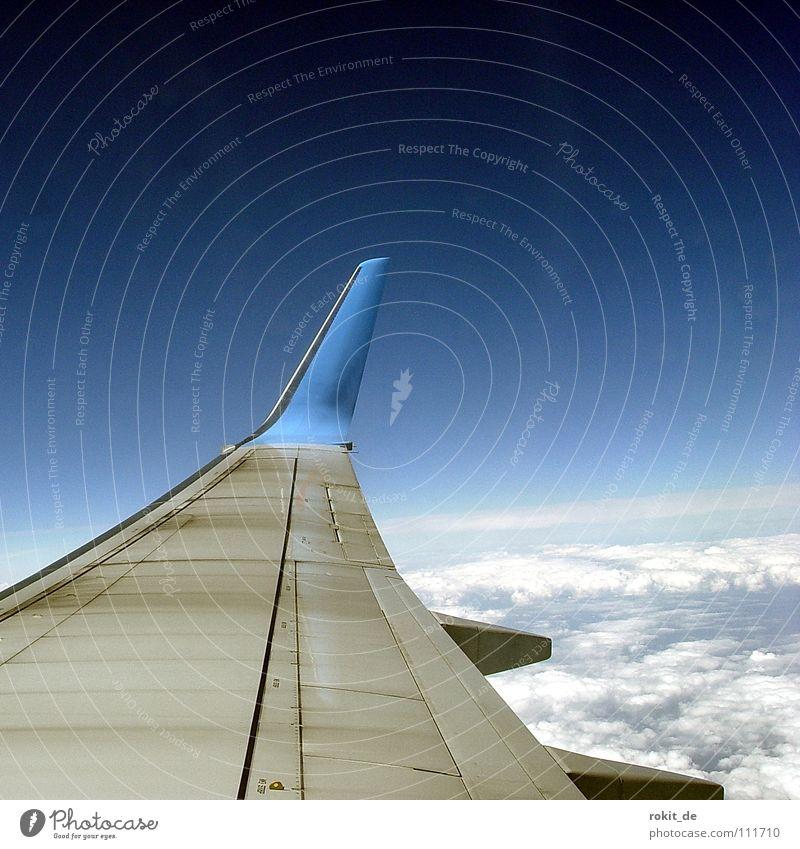 Über Wolkenkuckucksheim... Meer Ferien & Urlaub & Reisen Freiheit Flugzeug Luftverkehr Insel Freizeit & Hobby Flügel Flughafen Schwimmhilfe Spanien Pilot
