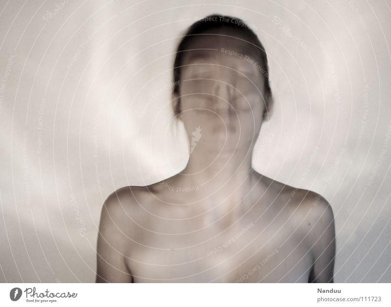 Identitätsstörung Mensch Jugendliche Gesicht ruhig kalt träumen Angst lustig bedrohlich zart außergewöhnlich Konzentration Schulter Geister u. Gespenster sanft