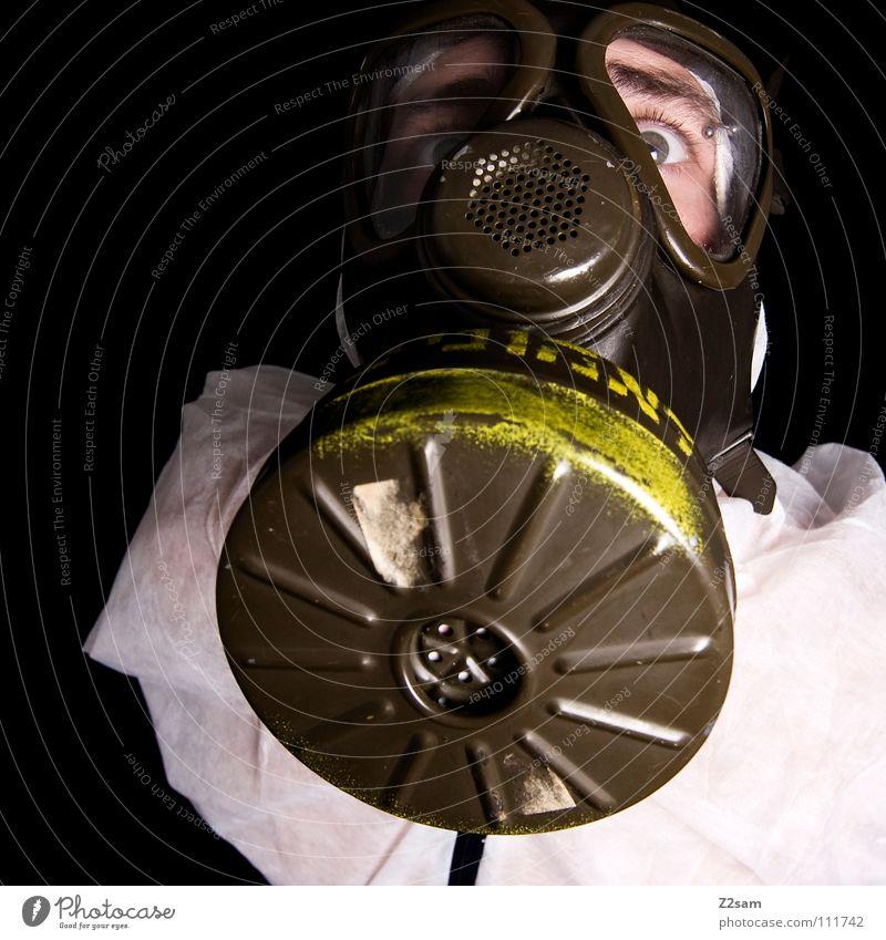 ABC-ANGRIFF II Mensch Mann weiß Gesicht Umwelt oben Kopf Stil dreckig Klima gefährlich Schriftzeichen verrückt bedrohlich Schutz Maske