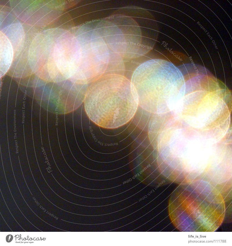 _rainbow_colors_ Licht regenbogenfarben schwarz Kreis aufeinander Farbe Makroaufnahme Nahaufnahme bunt und rund Reflexion & Spiegelung light Goldhaar im Quadrat