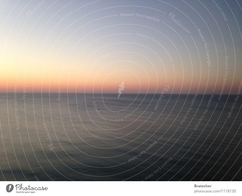 Still wird das Echo sein Meer ruhig See Horizont träumen Wellen Windstille Weltreise sentimental