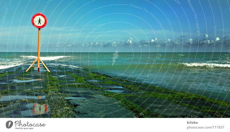 don't walk the line Wasser Himmel Meer blau Strand schwarz Wolken Ferne dunkel Freiheit Stein See Luft Linie Wellen Küste