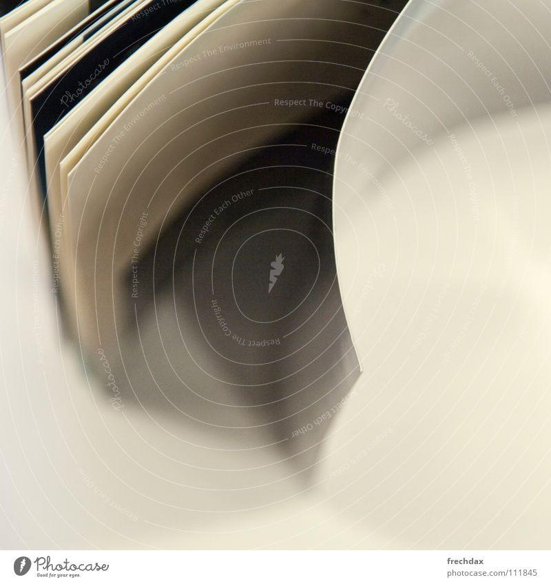 book of life Buch interessant aufschlagen Aufschlag grau aufgeschlagen Wölbung hintereinander gebunden Papier weiß schwarz Quadrat Schlagschatten gelb vergilbt