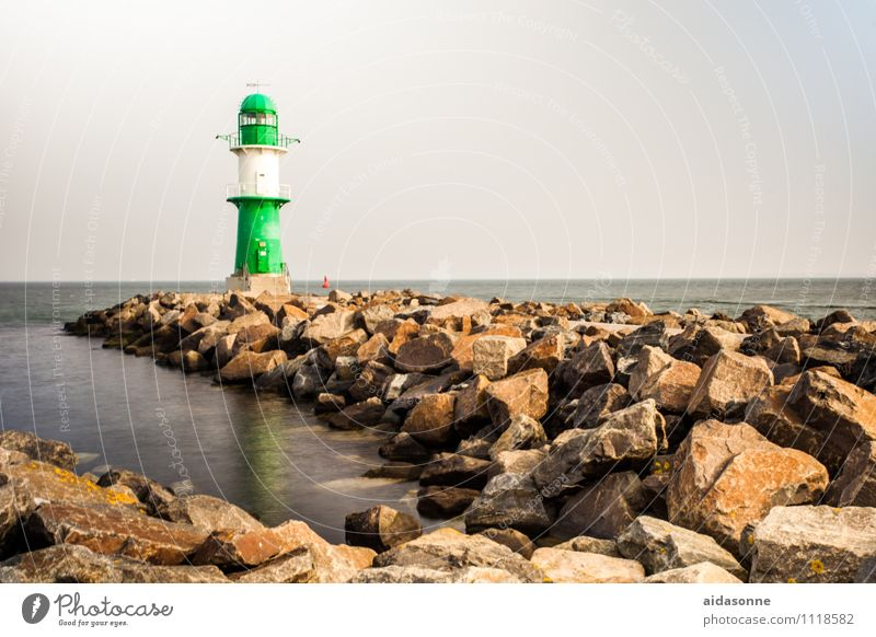 Leuchtfeuer Einsamkeit Fernweh Sehenswürdigkeit Leuchtturm Hafenstadt