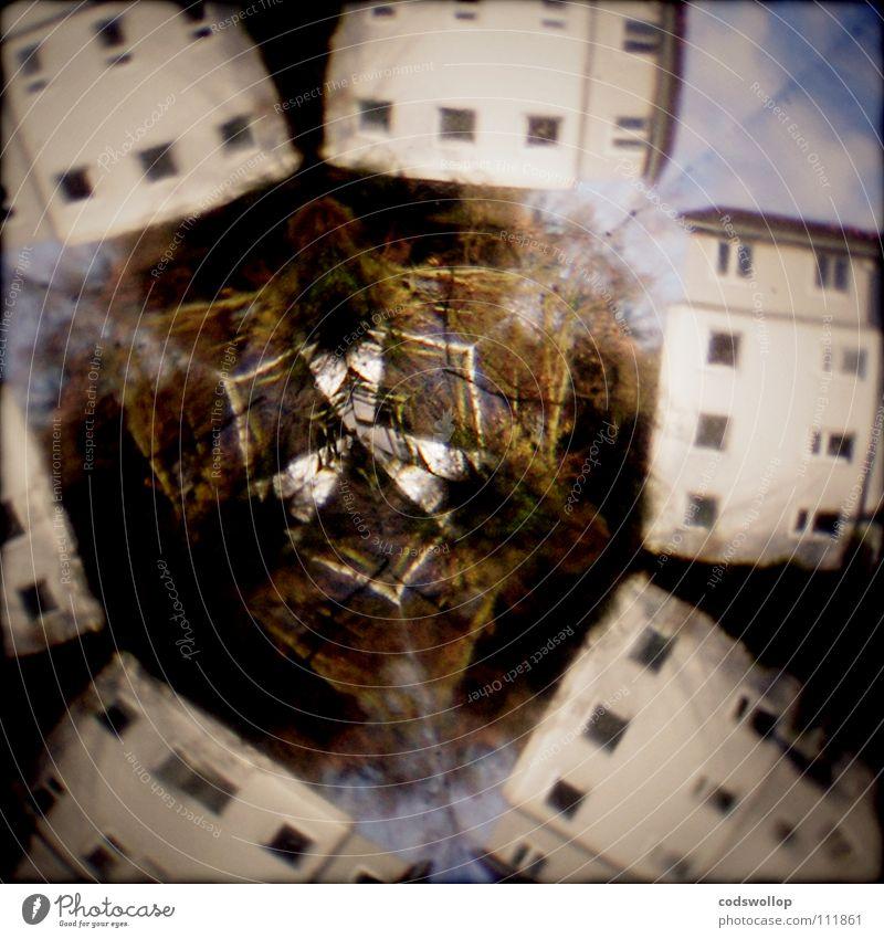 115th dream Haus träumen durcheinander Reflexion & Spiegelung Wohnung Kaleidoskop Alptraum Regenschirm Vorstadt Baum Schwindelgefühl durchdrehen Zentrifuge