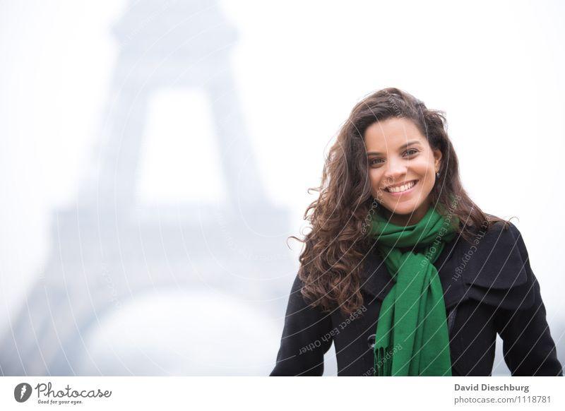 Der Traum von Paris Mensch Frau Ferien & Urlaub & Reisen Jugendliche schön 18-30 Jahre Erwachsene Gesicht Liebe feminin Glück Kopf Zufriedenheit Körper