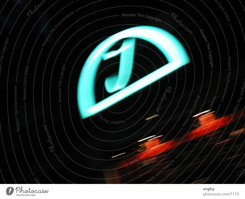 J Club Werbung türkis Neonlicht