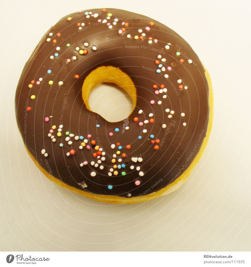 Ich geb einen aus :-) Krapfen Backwaren Streusel Kuchen rund Schokolade lecker Fett Lebensmittel mehrfarbig genießen Süßwaren Geburtstag Bächer Loch Schokoguss