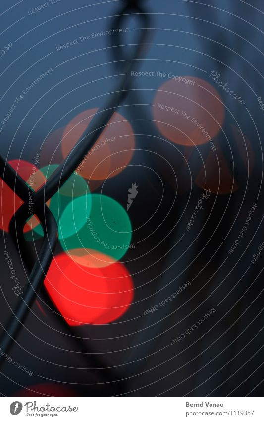 abendverkehr blau Straße grau orange Verkehr Kreis Brücke rund Straßenbeleuchtung Barriere Verkehrswege Stahl Ampel Nachtleben Straßenkreuzung Maschendrahtzaun