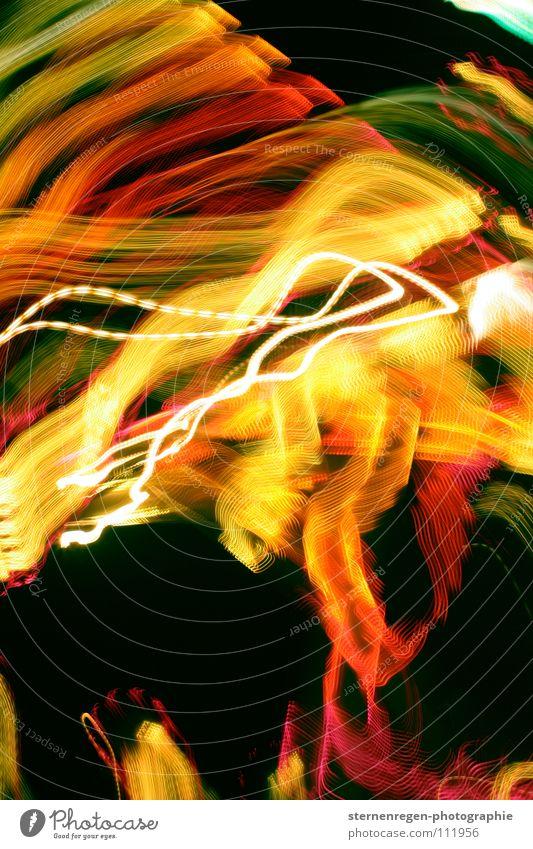 bunt mehrfarbig Langzeitbelichtung Jahrmarkt gelb Licht Farbe Gottesdienst