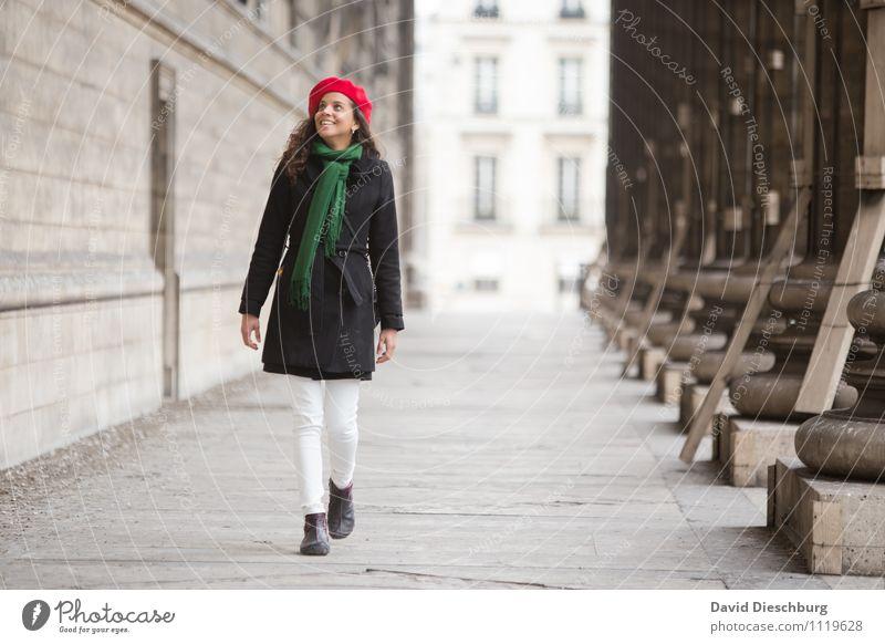 Entdeckungsreise Mensch Frau Ferien & Urlaub & Reisen Jugendliche Hand 18-30 Jahre Erwachsene Gesicht feminin Glück Beine gehen Kopf Fuß Fassade Zufriedenheit
