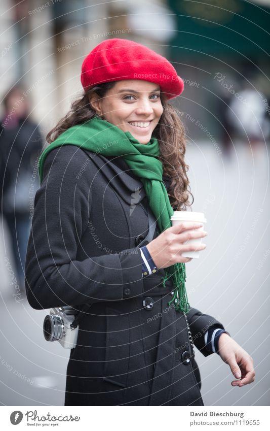 Tour de Foto Mensch Frau Ferien & Urlaub & Reisen schön Erwachsene Gesicht feminin Glück Kopf Zufriedenheit Körper Tourismus Fröhlichkeit Arme Lächeln
