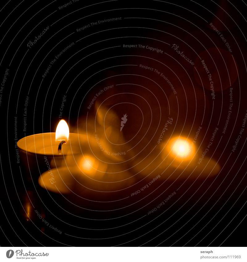 Teelichter Weihnachten & Advent ruhig Wärme Stimmung Dekoration & Verzierung Warmherzigkeit Hoffnung Kerze Flamme gemütlich brennen Lichtschein Kerzenschein