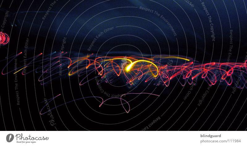 Lichtschlangen Farbe dunkel Bewegung Linie hell Kunst Geschwindigkeit Laser Kunsthandwerk schlangenförmig flüchtig