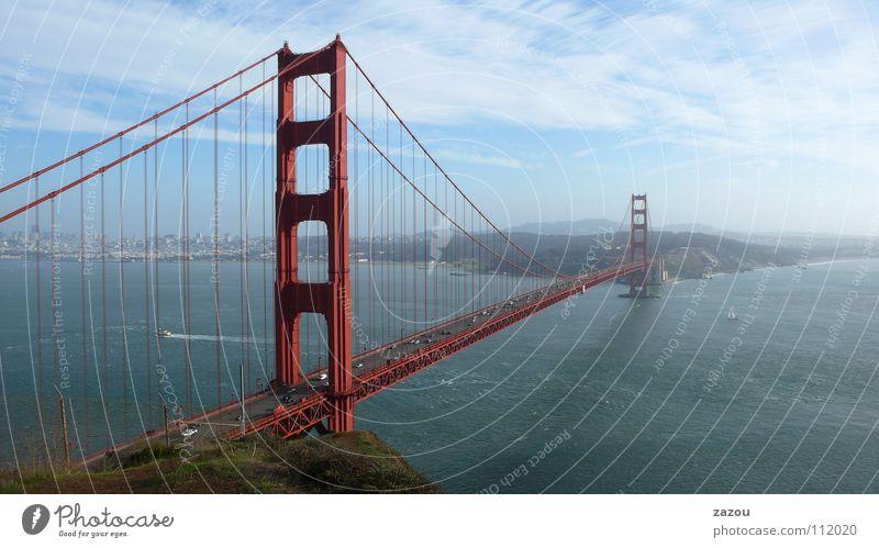 Golden Gate Panorama Straßenverkehr Verkehr Brücke modern USA Amerika Wahrzeichen Säule Kalifornien Sehenswürdigkeit San Francisco Hängebrücke