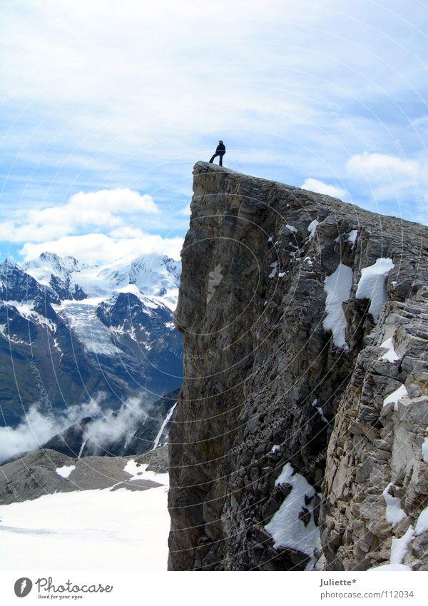 Gipfelstürmerin Klettern besteigen Erreichen Wolken Schweiz Mut gewagt Panorama (Aussicht) Berge u. Gebirge schön Himmel Barrhorn Schnee Freiheit kühn