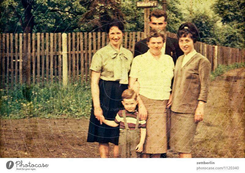 Goethestraße, 1964 Familie & Verwandtschaft Familienfeier Ahnenforschung Familienfürsorge Familientreffen Familienausflug Familienglück Kind Kindheit