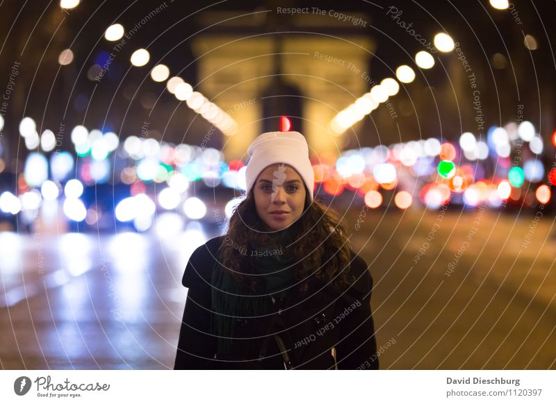 Nightlife Mensch Ferien & Urlaub & Reisen Jugendliche blau grün Junge Frau weiß rot 18-30 Jahre schwarz Erwachsene gelb Straße feminin orange Tourismus