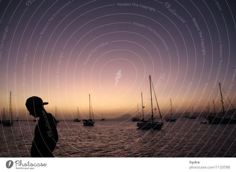 entspannter Abend Mensch Ferien & Urlaub & Reisen Jugendliche Wasser Sommer Erholung Meer ruhig Junger Mann 18-30 Jahre Ferne Erwachsene Freiheit maskulin