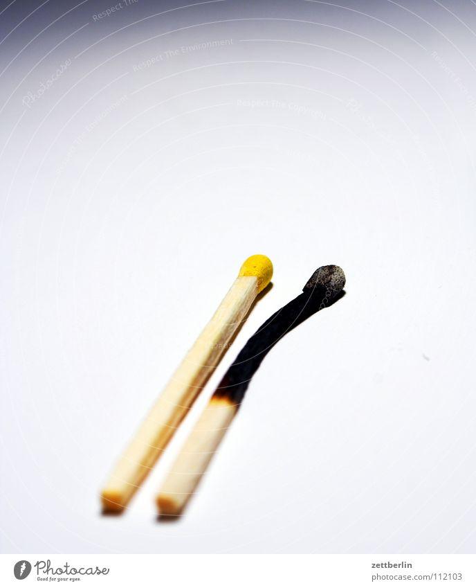 Streichhölzer Streichholz gebraucht frisch anzünden Partnerschaft Notfall Vergänglichkeit Dinge abgebrannt Insolvenz Brand zündung kokeln Feuerwehr Versicherung