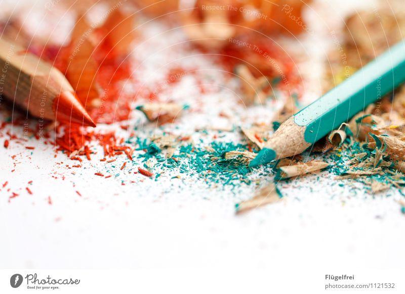 Sagt der große zum kleinen Stift ... Kunst liegen Farbstift Spitze Anspitzer malen Kreativität türkis orange Komplementärfarbe dreckig Holz Krümel ästhetisch