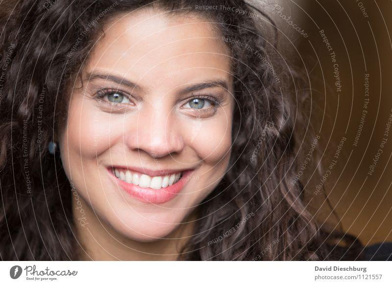 Beautiful Ana III Mensch Frau Jugendliche schön Freude 18-30 Jahre Erwachsene Gesicht Auge feminin Glück Haare & Frisuren Kopf Zufriedenheit Kraft Erfolg