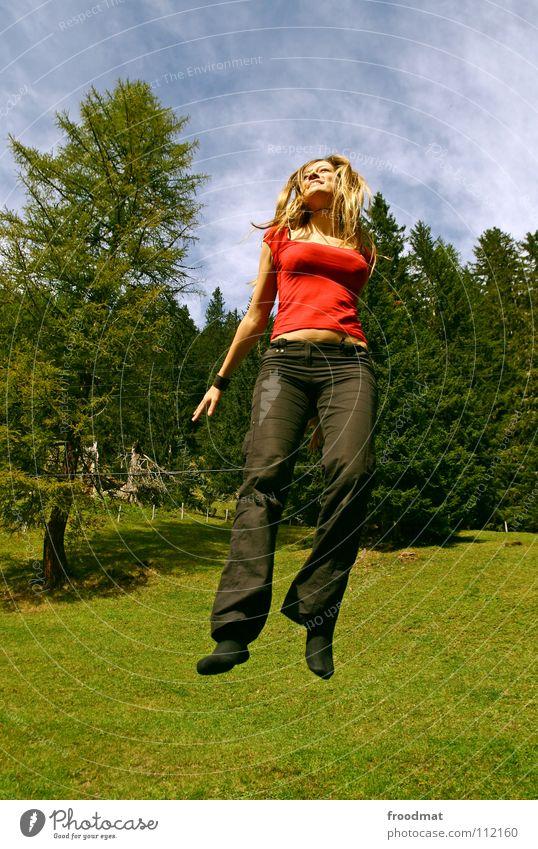 fly Natur schön Ferien & Urlaub & Reisen Freude Freiheit lachen Glück springen Freizeit & Hobby fliegen Aktion Romantik Alpen Schweiz Dynamik Ausgelassenheit