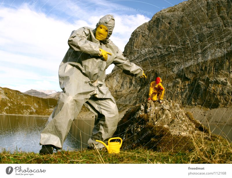 grau™ points gelb™ Kannen Schweiz dumm See Wolken Anzug Kunst Aktion Performance Kultur Alpen Freude Wasser Perspektive zeigen Surrealismus Landschaft Natur