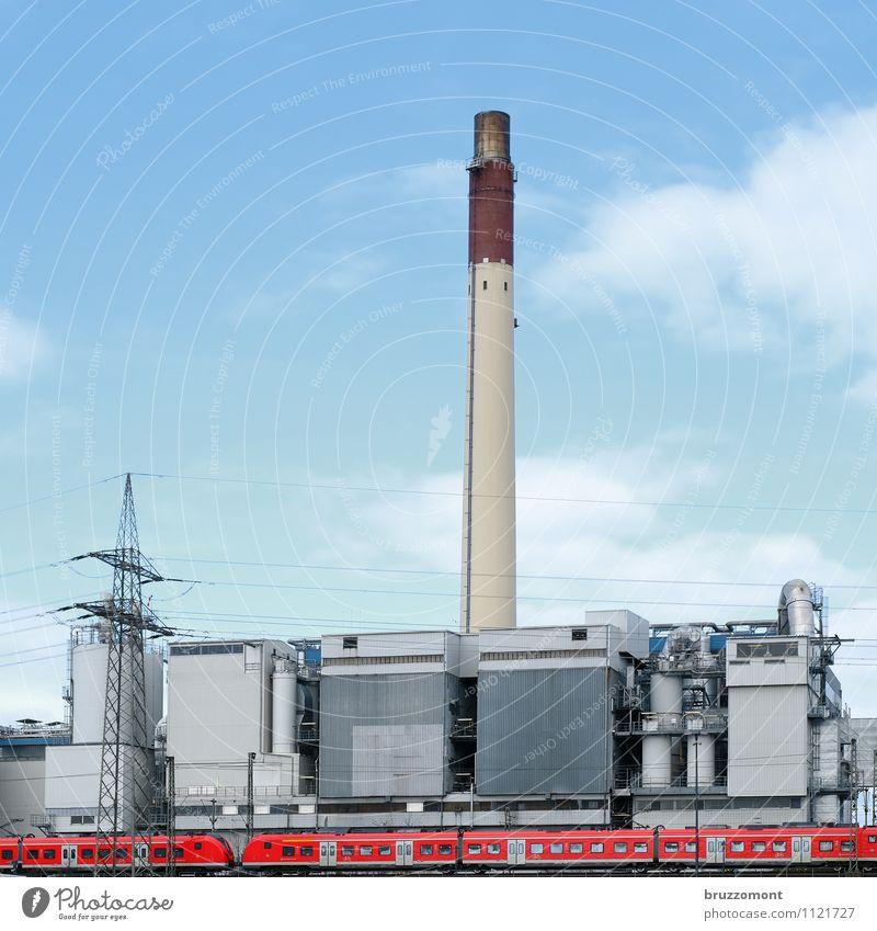 Rolling home blau rot Arbeit & Erwerbstätigkeit Energiewirtschaft Verkehr hoch groß Ausflug Industrie Eisenbahn Schönes Wetter rund Industriefotografie Fabrik