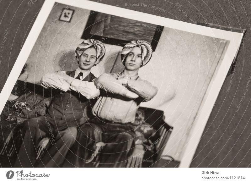 Onkel Werner & Klaus haben Spaß! Mensch Jugendliche alt Junger Mann 18-30 Jahre Erwachsene lustig Feste & Feiern Freundschaft maskulin Fotografie retro
