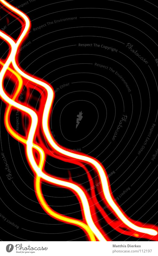 lichtspiel II Spirale Windung Leuchtspur schlangenförmig Farbenspiel Frequenz Schlangenlinie Leuchtkraft Lichtstreifen Lichtmalerei Farbspur Lichtdesign