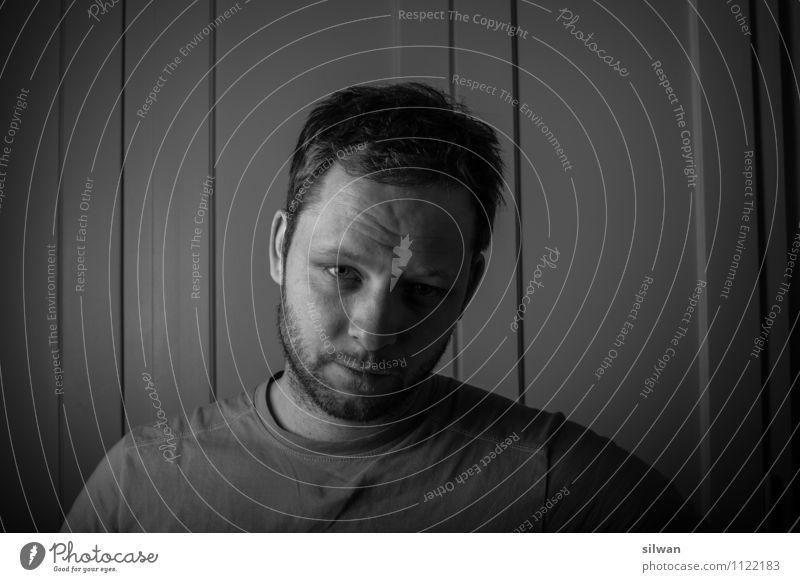 skeptisch ... (#2) Mensch Jugendliche weiß Einsamkeit ruhig Junger Mann dunkel schwarz kalt Erwachsene Traurigkeit grau Denken träumen maskulin Angst